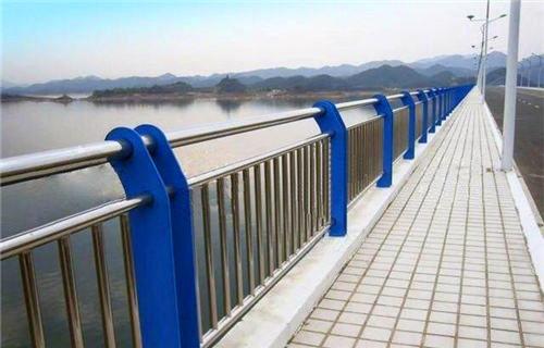 合肥76*3复合管道路护栏生产与供应