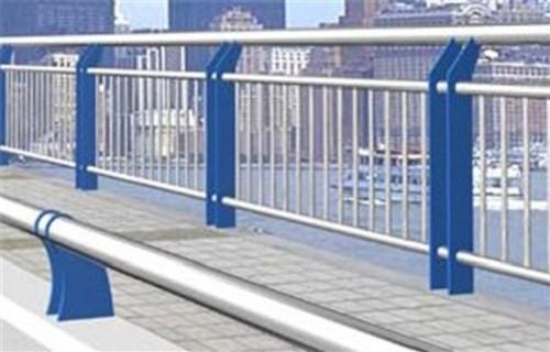 辽阳304不锈钢板立柱防腐抗老化